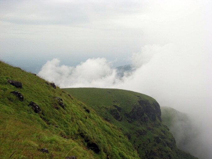 tourist-places-in-Karnataka-Hill-Station-Kakkabe